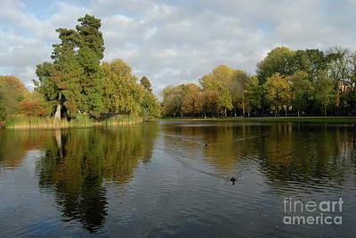 Herfst Digital Art - Vondelpark by Richard Wareham