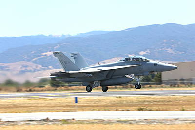 Photograph - Vr  Mcdonnell Douglas-f/a18 Hornet Departs Hollister Air Show by John King