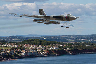 Photograph - Vulcan Bomber Xh558 Dawlish 2015 by Ken Brannen