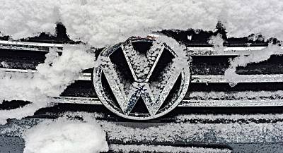 Vw Snow Day Art Print