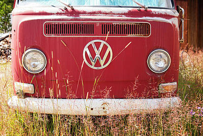 Trees Photograph - Vw Van Front by Marilyn Hunt