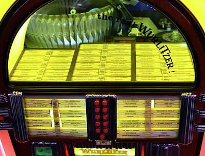 Photograph - Wurlitzer Juke Box Classic by David Lee Thompson