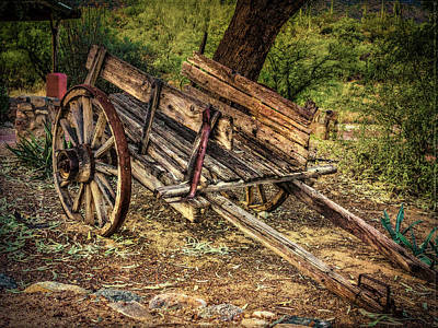 Photograph - Wooden Cart  At Tanque Verde Ranch by Sandra Selle Rodriguez
