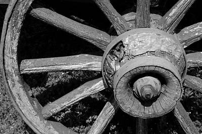 Photograph - Wagon Wheel 2 Bw by Mary Bedy