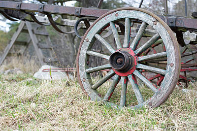 Photograph - Wagon Wheel 2 by Cynthia Powell