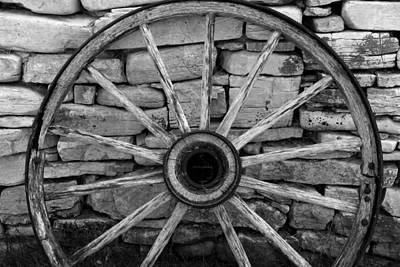 Photograph - Wagon Wheel 4 Bw by Mary Bedy