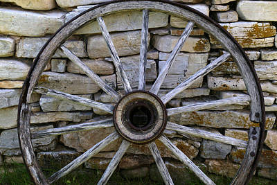 Photograph - Wagon Wheel 4 by Mary Bedy