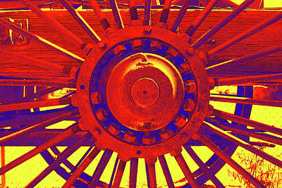 Photograph - Wagon Wheel by Cynthia Powell