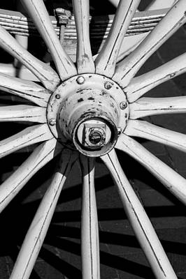 Photograph - Wagon Wheel by David Weeks