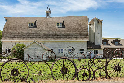 Photograph - Wagon Wheel Fence by Jerry Fornarotto