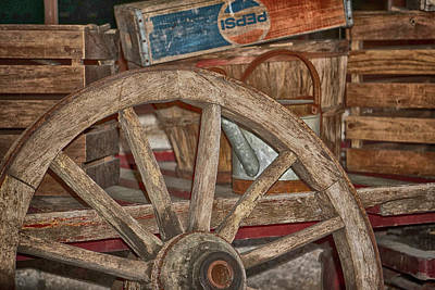 Photograph - Wagon Wheel For Sale by Dennis Dugan