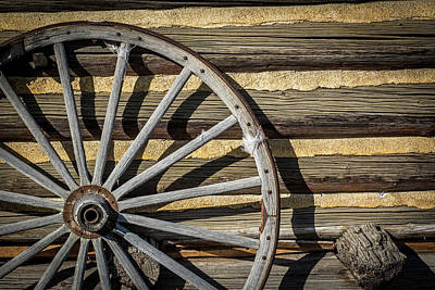 Photograph - Wagon Wheel by Paul Freidlund