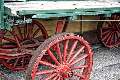 Vintage Conway Photograph - Wagon Wheel by Paul Klenk