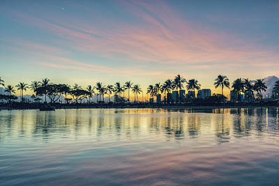 Photograph - Waikiki Sunset by Ray Devlin