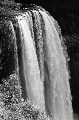 Photograph - Wailua Falls 01 - Sfx 200 Bw - Kauai, Hawaii by Pamela Critchlow
