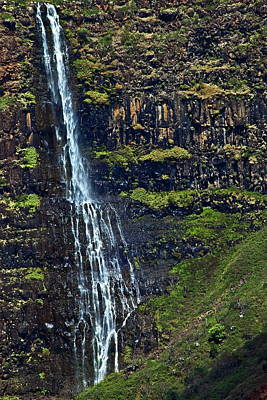 Photograph - Waimea Canyon Waterfall Detail by Richard Hinds