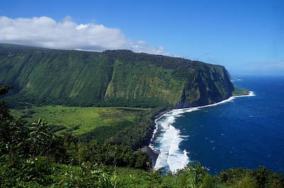 Photograph - Waipio Valley Lookout by Pamela Walton