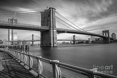 Photograph - Walk Along The East River by Reynaldo Brigantty