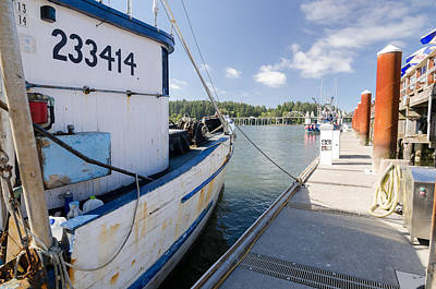 Photograph - Walking The Docks by Margaret Pitcher