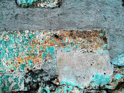 Photograph - Wall Abstract 117 by Maria Huntley