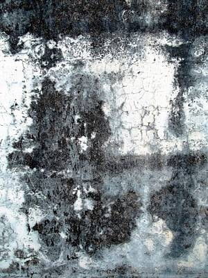 Photograph - Wall Abstract 165 by Maria Huntley