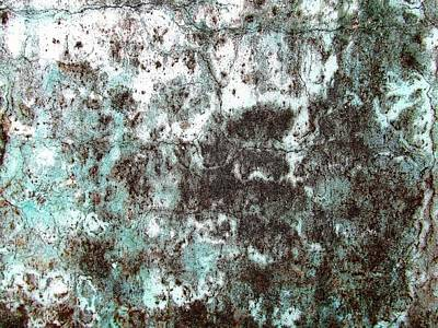 Photograph - Wall Abstract 173 by Maria Huntley
