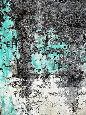 Photograph - Wall Abstract 185 by Maria Huntley