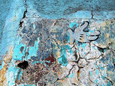 Photograph - Wall Abstract 211 by Maria Huntley