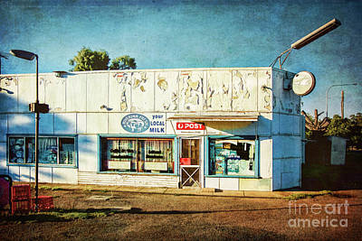 Photograph - Wallendbeen Store by Stuart Row