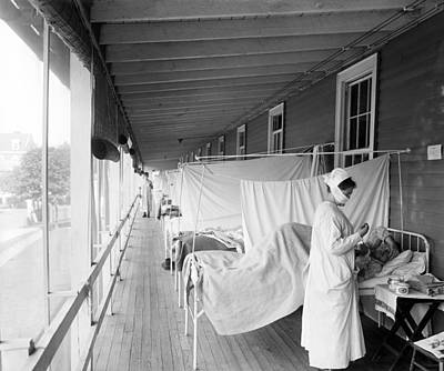 Healthcare And Medicine Photograph - Walter Reed Hospital Flu Ward by Underwood Archives