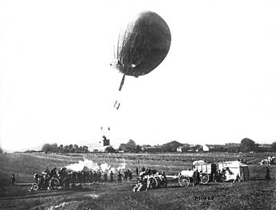 Artillery Photograph - War Balloon To Bomb Germans by Underwood Archives