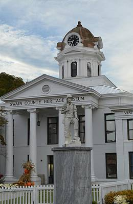 Photograph - War Memorial Of Swain County North Carolina by rd Erickson