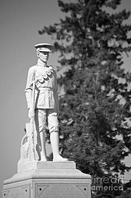 Photograph - War Memorial Waverly by Elaine Mikkelstrup