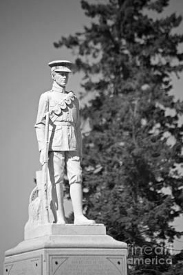 Photograph - War Memorial Waverly by Elaine Mikkelstrup