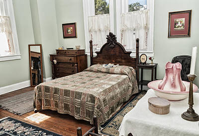Photograph - Wardens Bedroom by Linda Constant