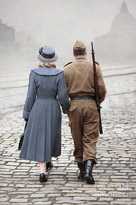 Photograph - Wartime Couple by Lee Avison