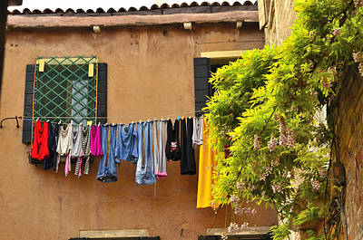 Photograph - Wash Day In Venice by Richard Ortolano