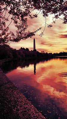 Photograph - Washington At Sunrise by Kevin D Davis