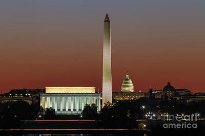 Lincoln Memorial Photograph - Washington Dc Landmarks At Dawn I by Clarence Holmes