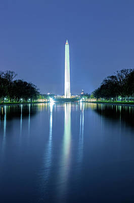 Photograph - Washington Monument At Night by Jonathan Nguyen