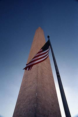 Washington Monument Single Flag Art Print by Skip Willits