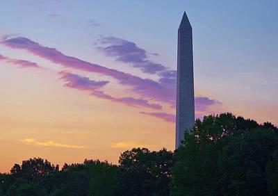 Photograph - Washington Monument Sunrise by Buddy Scott