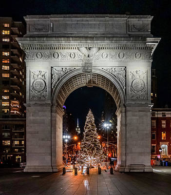 Photograph - Washington Square Park Christmas Tree by Jeffrey Friedkin