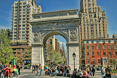 Photograph - Washington Square Park - N Y C by Allen Beatty