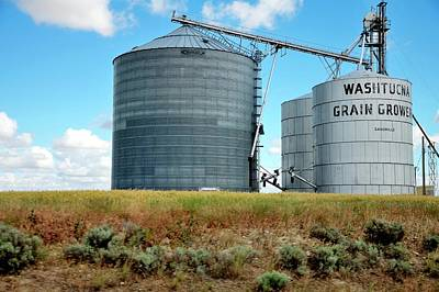 Photograph - Washtucna Grain Growers by Jerry Sodorff