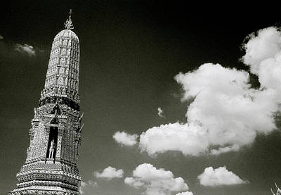 Photograph - Wat Arun And Sky by Shaun Higson