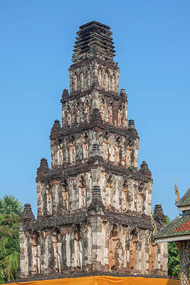 Photograph - Wat Chamthewi Chedi Kukut Buddha Niches Dthlu0072 by Gerry Gantt