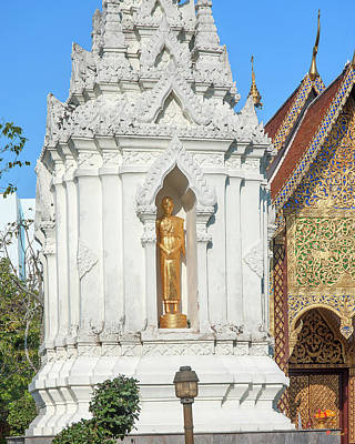 Photograph - Wat Chamthewi Monk Memorial Chedi Dthlu0090 by Gerry Gantt