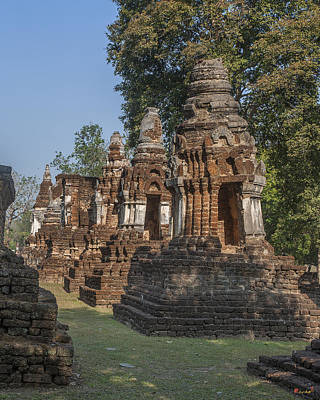 Photograph - Wat Chedi Ched Thaeo Subsidiary Chedi Dthst0138 by Gerry Gantt