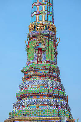 Photograph - Wat Intharam Phra Prang East Dthb2091 by Gerry Gantt